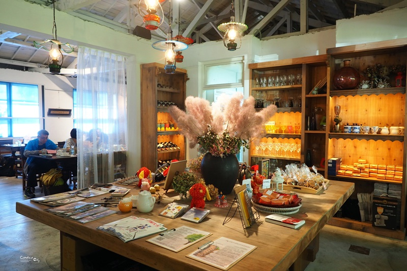 白房子Yang Ming Caf'e|超美白色咖啡廳,陽明山美食,文化大學餐廳推薦!