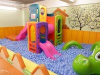 卡樂蔬食親子餐廳|有沙坑,球池,溜滑梯,好玩的台北小巨蛋親子餐廳! @陳小沁の吃喝玩樂