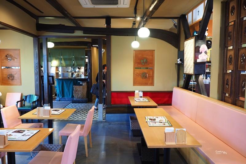Snoopy 茶屋|日式庭園,超可愛史努比陪你一起吃飯!由布院美食推薦!