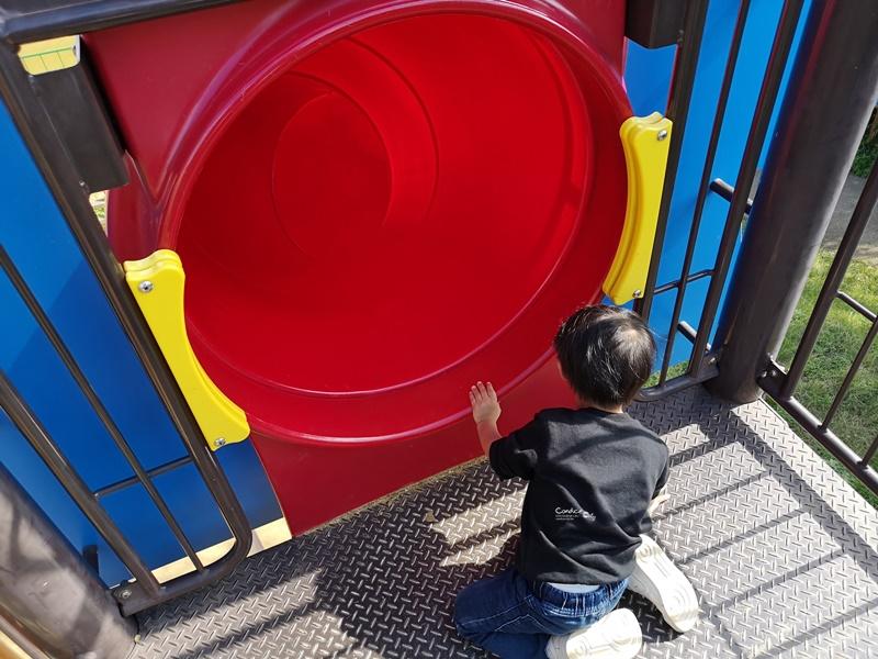 奧武山公園溜滑梯|沖繩溜滑梯公園推薦,超長溜滑梯!好幸福的沖繩小孩啊!