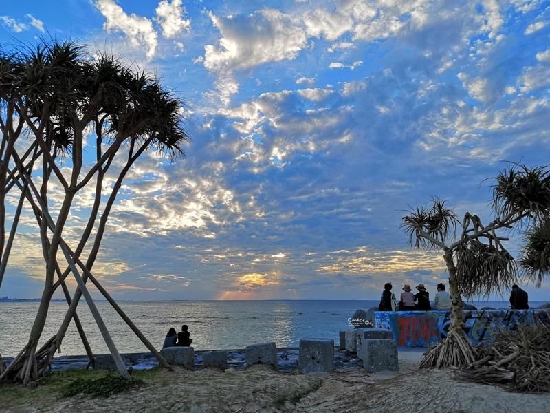 美國村日落海灘|沖繩自由行最愛景點!沖繩必去海灘,可遠眺摩天輪超悠閒!