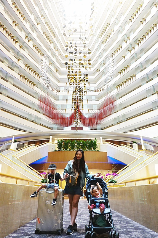新加坡濱華大酒店 新達城旁,房內可看摩天輪夜景,位置超好的新加坡住宿推薦