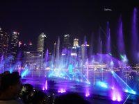 新加坡燈光秀攻略|金沙酒店免費水舞燈光秀,最佳觀賞位置分享! @陳小沁の吃喝玩樂