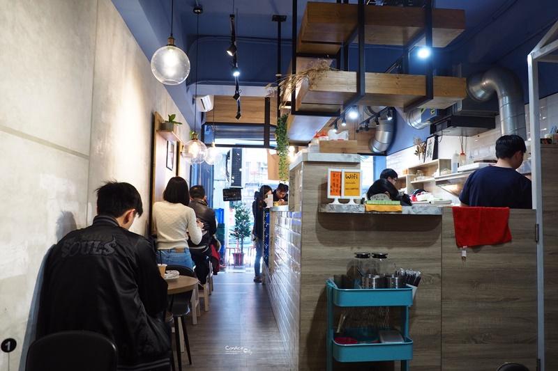 Moni 日初倉庫 超邪惡爆漿台北起司碳烤吐司推薦!西門町早餐美食