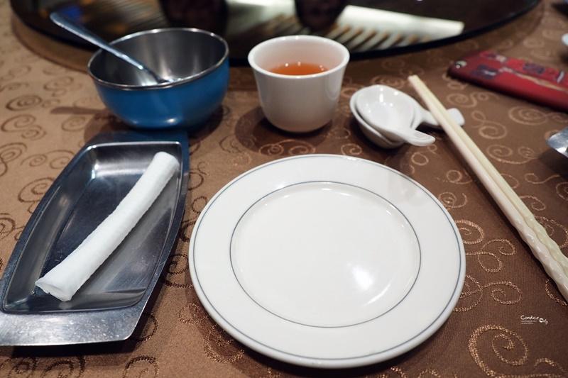 驥園川菜餐廳|台北第一好喝雞湯,燉12小時老母雞湯!東區美食(含菜單)