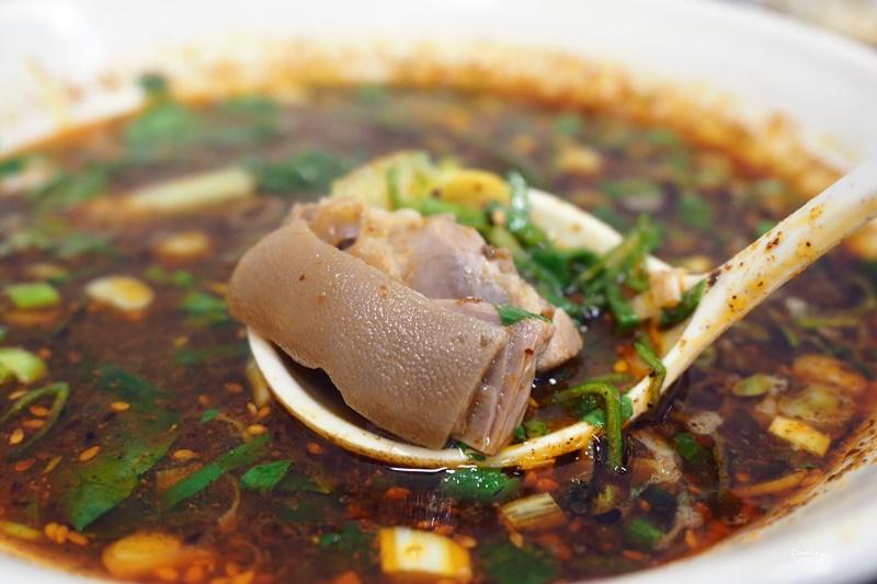 秦風陝西食味坊 道地陝西油潑麵,羊肉湯,水盆羊肉(東區美食)