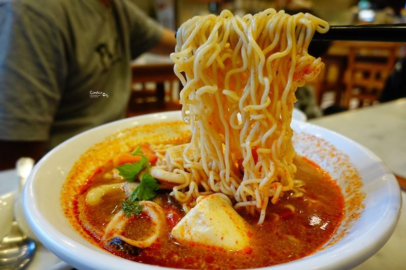 土司工坊大直大食代|好吃的叻沙,海鮮東央,肉骨茶,咖椰吐司,想吃道地新加坡美食就到這!