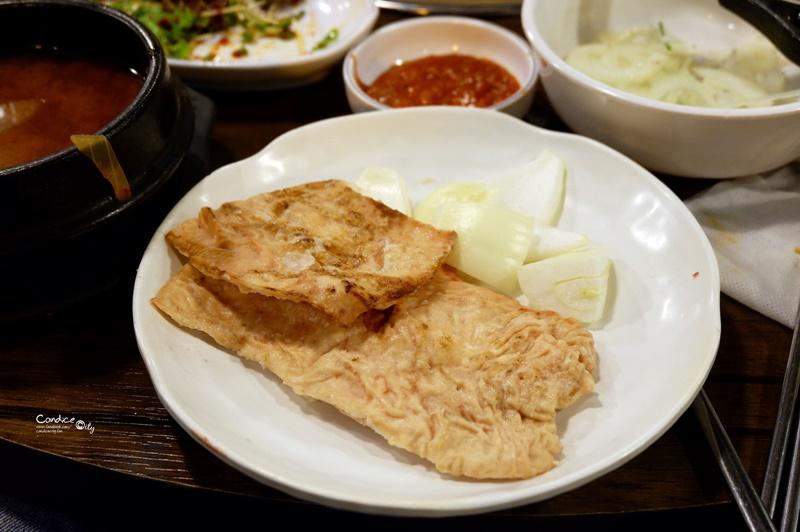 《首爾美食》胖胖豬烤肉,超美味燒肉+烤豬腸!弘大美食推薦!