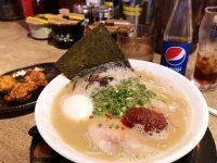 博多一幸舍|豚骨湯頭拉麵好好吃!沖繩國際通拉麵推薦! @陳小沁の吃喝玩樂