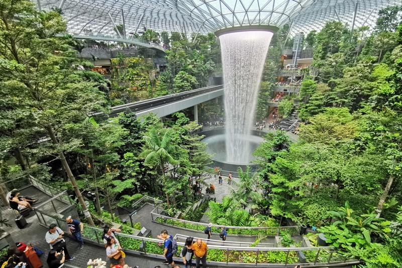 新加坡樟宜機場|室內瀑布超屌!星耀樟宜Jewel Changi Airport @陳小沁の吃喝玩樂