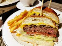 M ONE Cafe|東區早午餐推薦NO1!馬鈴薯煎餅,漢堡都超好吃! @陳小沁の吃喝玩樂