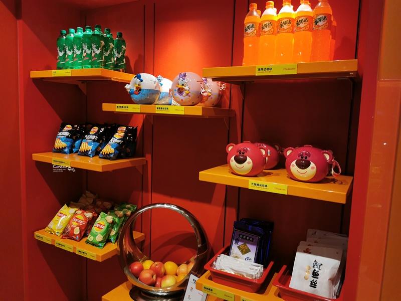 上海迪士尼住宿|上海玩具總動員酒店必住!飯店內跟胡迪拍照,超方便!