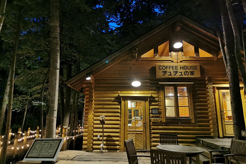 森林精靈露台+森之時計咖啡屋|點燈後森林精靈露臺超漂亮!富良野景點推薦!