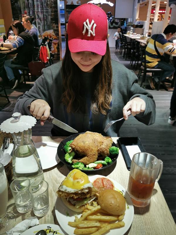 The chips美式餐廳 南港|美式漢堡還有炸全雞可吃!超過癮!