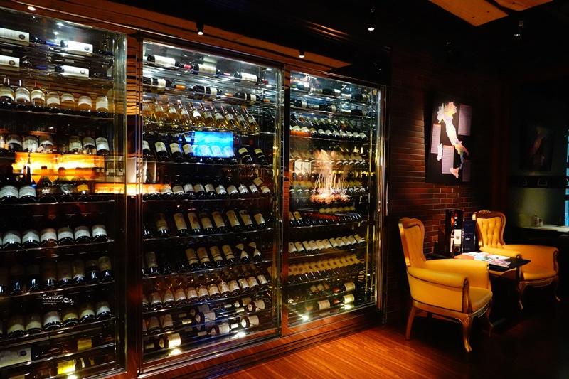 La FESTA義大利餐廳|維多麗亞酒店牛排活龍蝦CP值超高!情人節用餐好地!
