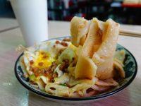 逢甲炒餅條|逢甲早餐推薦,家傳蔥辣醬+蛋餅條超美味! @陳小沁の吃喝玩樂