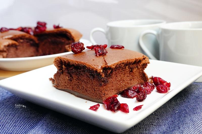 氣炸巧克力戚風蛋糕|氣炸鍋也可以烤蛋糕!超美味巧克力戚風蛋糕食譜!