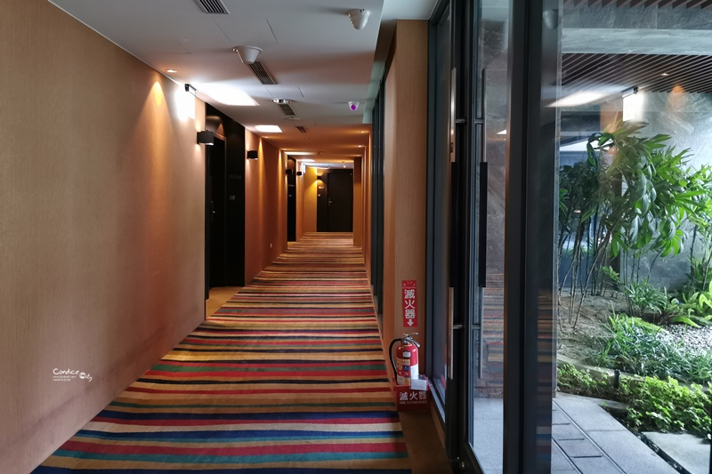 台中逢甲星享道酒店 超便宜一晚不到2000,晚茶甜點免費吃,還可泡腳泳池超美!