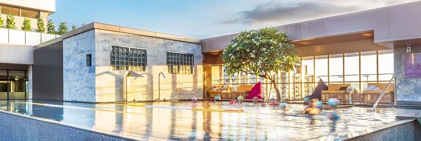 台中逢甲星享道酒店|超便宜一晚不到2000,晚茶甜點免費吃,還可泡腳泳池超美!
