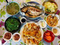 兩津農莊食堂|CP值爆高花蓮無菜單料理,1人350有烤雞與烤魚! @陳小沁の吃喝玩樂