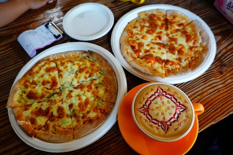 木盒子柴燒窯烤披薩 有超美花園的PIZZA餐廳,石門水庫美食!