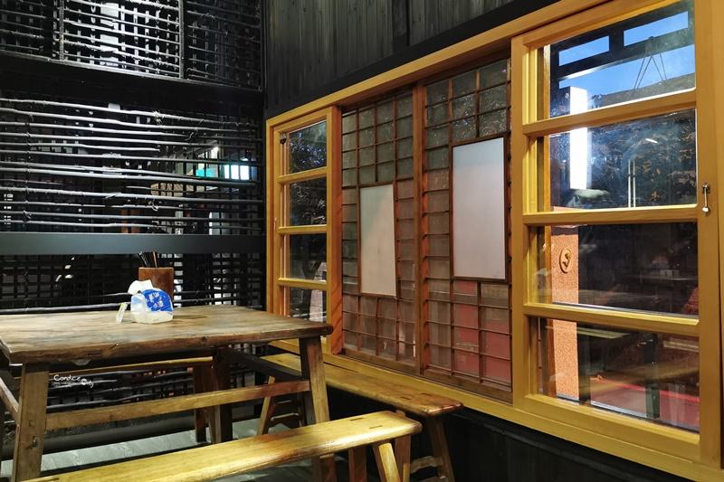 花蓮一碗小|日式老宅庭院吃牛肉麵+羊肉麵超有FU!