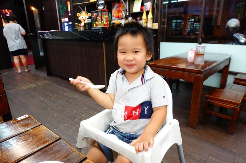 百匯窯烤雞海鮮快炒餐廳|評價高達4.7顆星的好吃宜蘭烤雞!