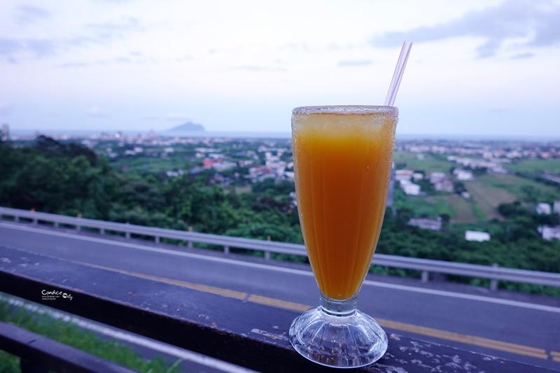 香草庭園咖啡 頭城店 宜蘭夜景咖啡廳,遠眺龜山島!