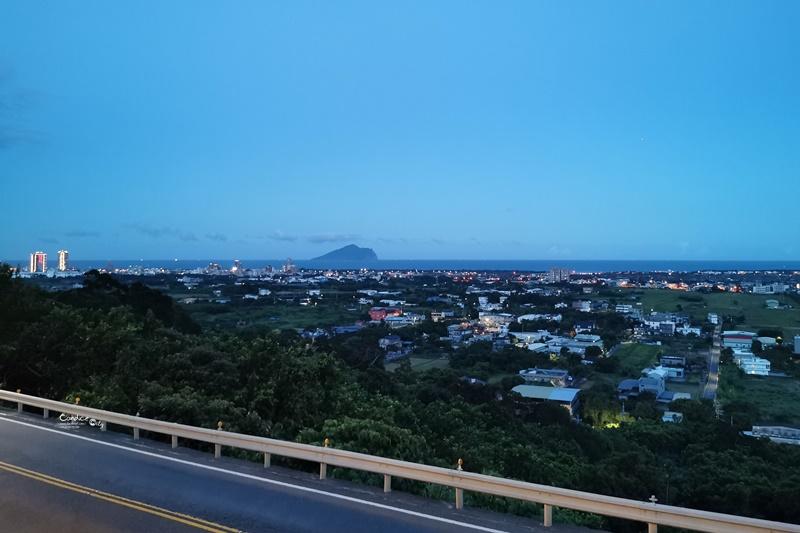 香草庭園咖啡 頭城店|宜蘭夜景咖啡廳,遠眺龜山島!