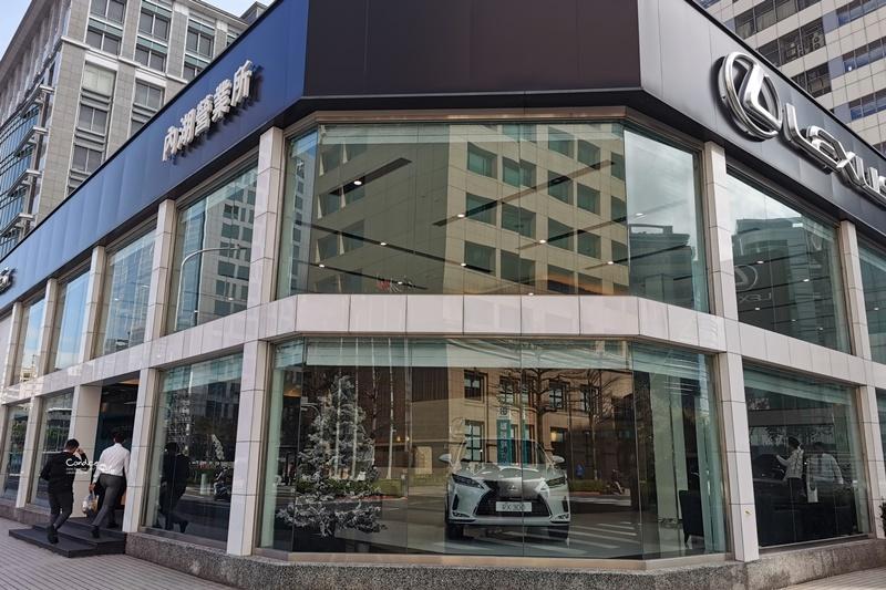 【開箱】我買了LEXUS ES200!價格/規格/菜單/買車/驗車/新車拜拜分享!