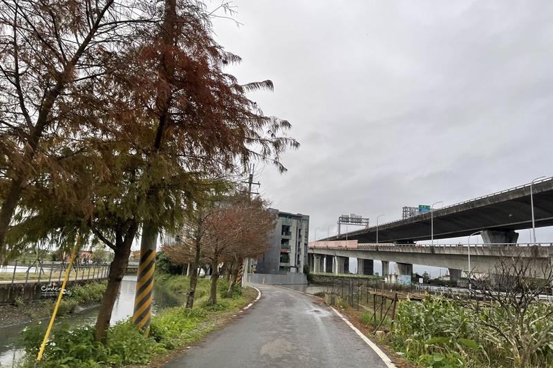 畫宿文旅|超美宜蘭民宿,還有小花園!宜蘭水火同源景點旁,溜滑梯超近!