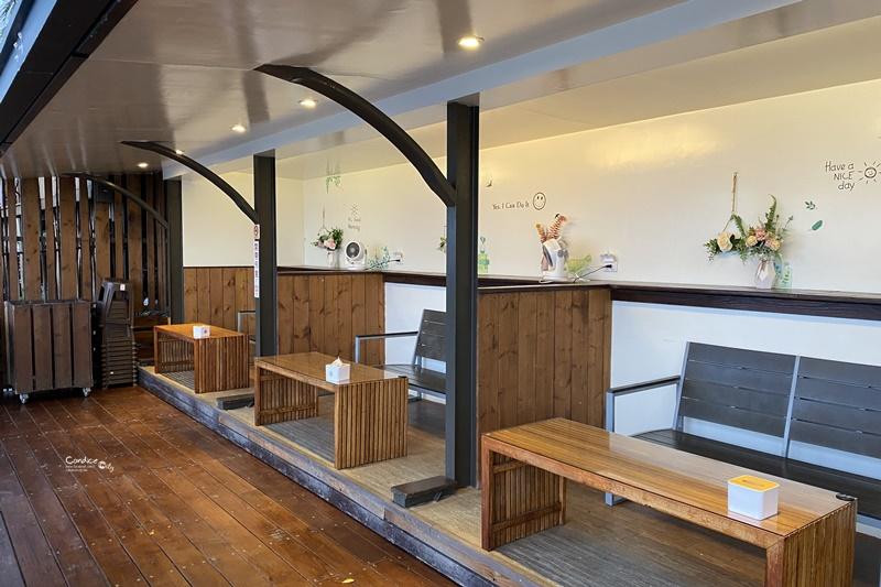 逐浪海景咖啡|視野超棒的台東海景咖啡廳!棧道直通沙灘景超美!