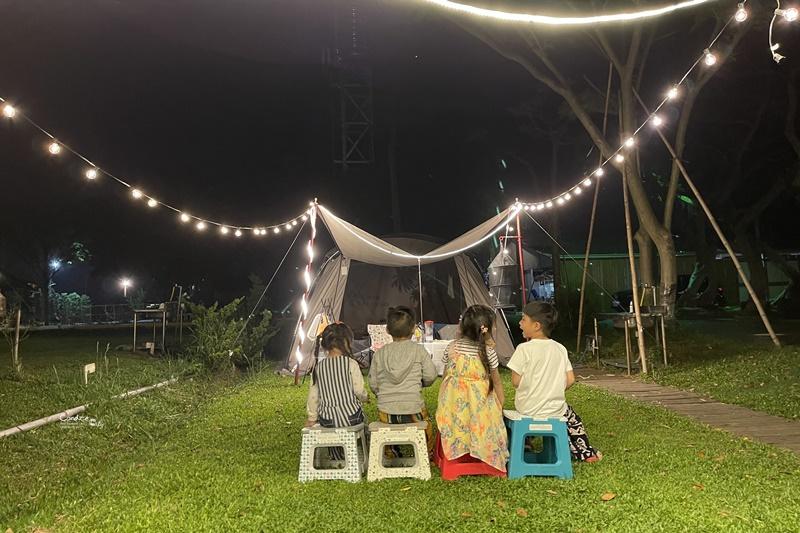 韓國Franco露營摺疊垃圾桶邊桌&西班牙Vigar摺疊椅凳|露營好物團購!