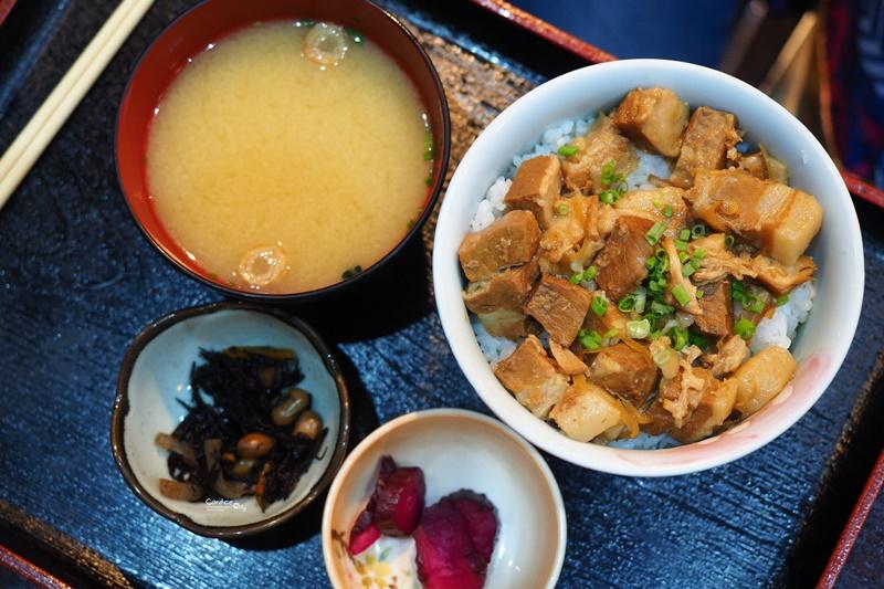 海鮮市場 長崎港 新地店|美味的海鮮料理,生魚片新鮮好吃!長崎美食推薦!