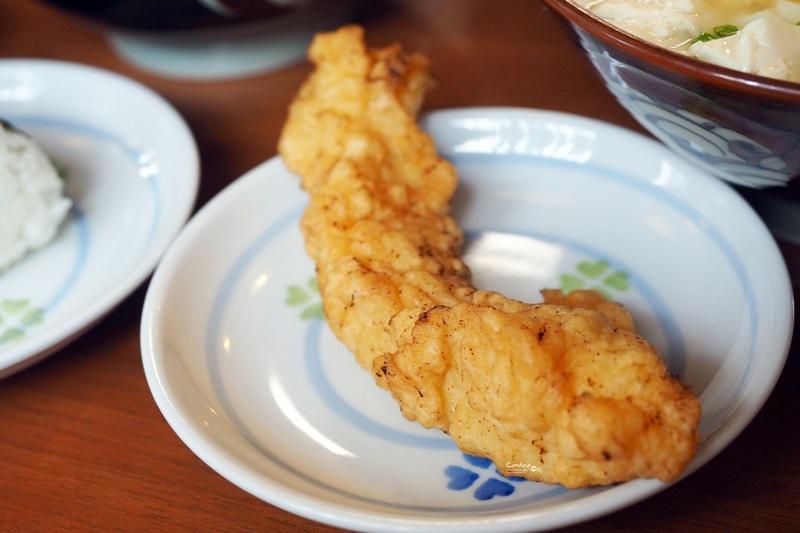 高江洲そば|沖繩麵推薦,加了豆腐豬腸軟骨麵更好吃!沖繩人氣美食!